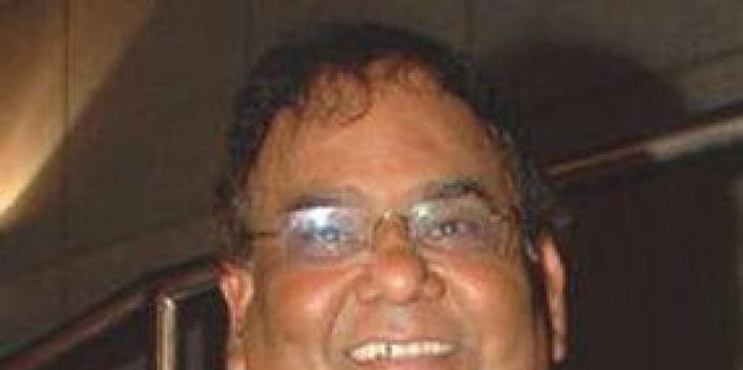 Satish Kaushik, Anu Malik stop fighting