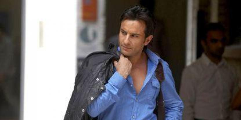 Saif skips Sallu's show for Kareena