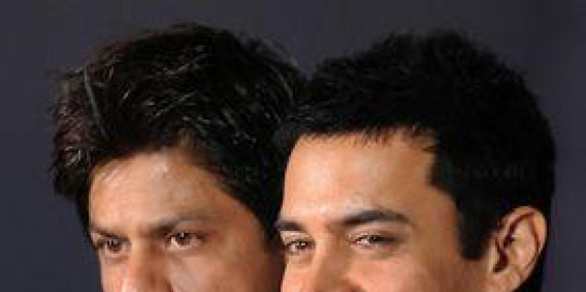 Aamir, Shah Rukh called '2 Idiots'