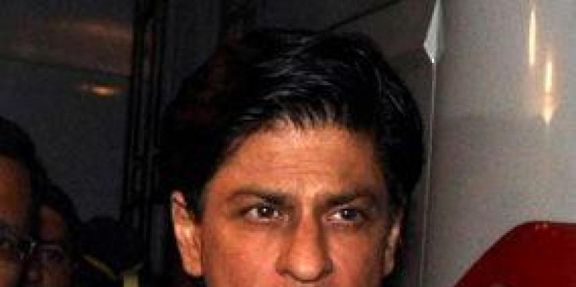 Shah Rukh Khan in a brawl?