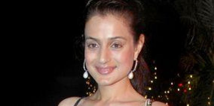 Ameesha denies rumours of rift with Sanjay