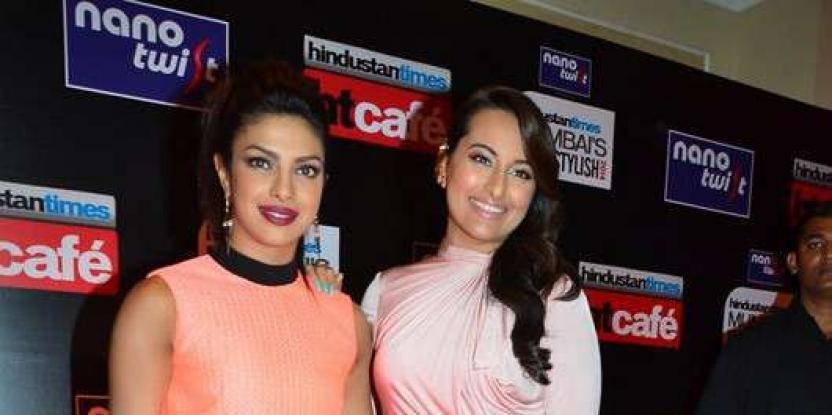 Priyanka Chopra Crowned the 'It Selfie Queen'