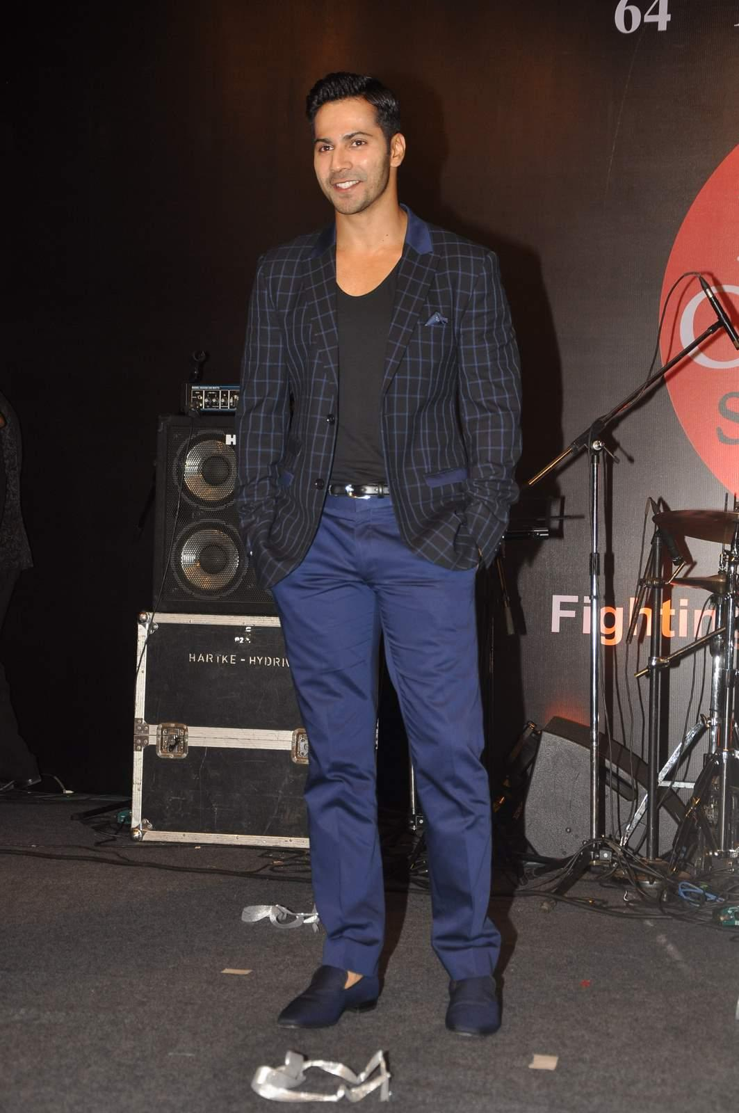 Here's Why We Salute Varun Dhawan For Leaving an Awards Ceremony Midway!