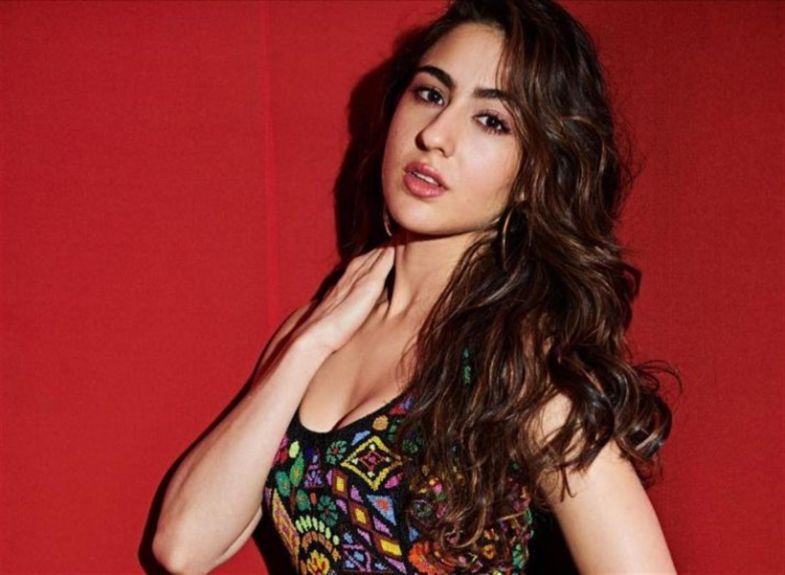 Sara Ali Khan Pleasantly Surprises the Fans By Recreating Her Song 'Sweetheart'
