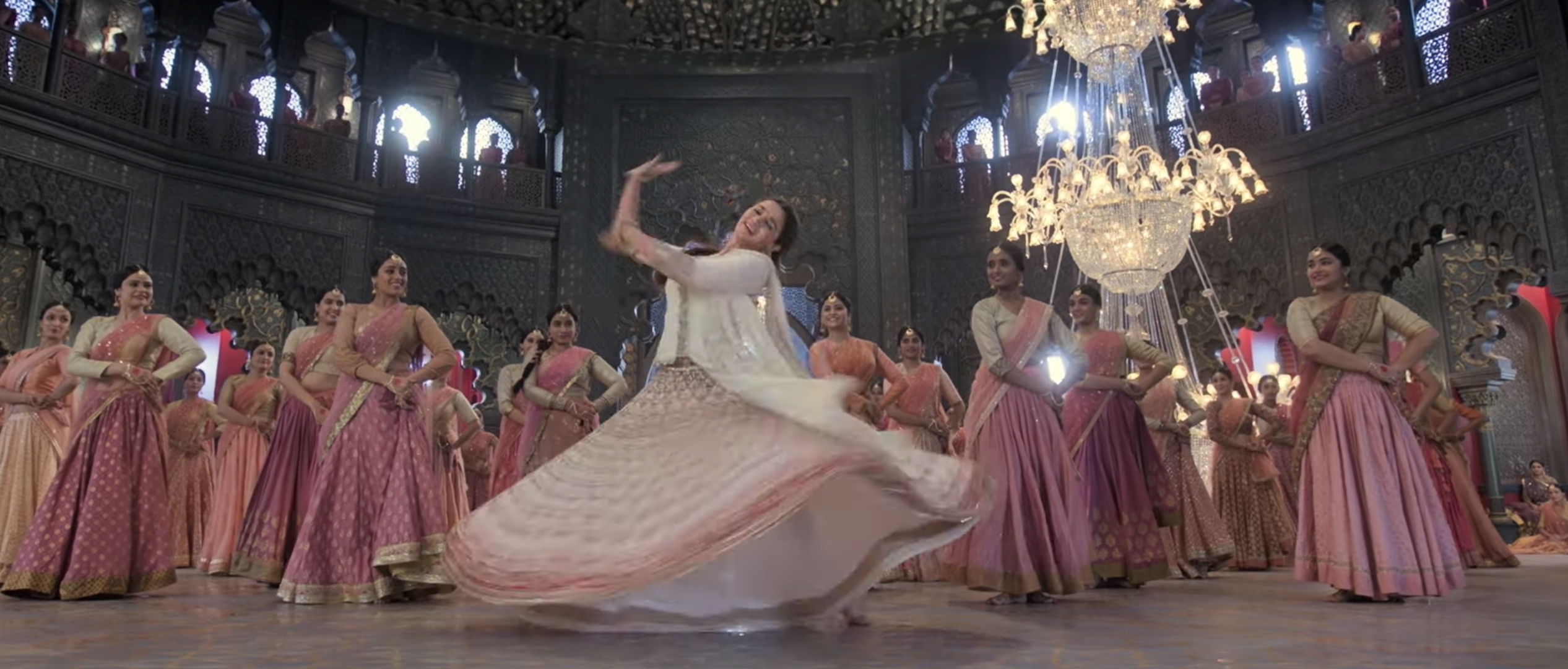 'Kalank' Song Review: 'Ghar More Pardesiya' Showcases Alia Bhatt's Dancing Chops