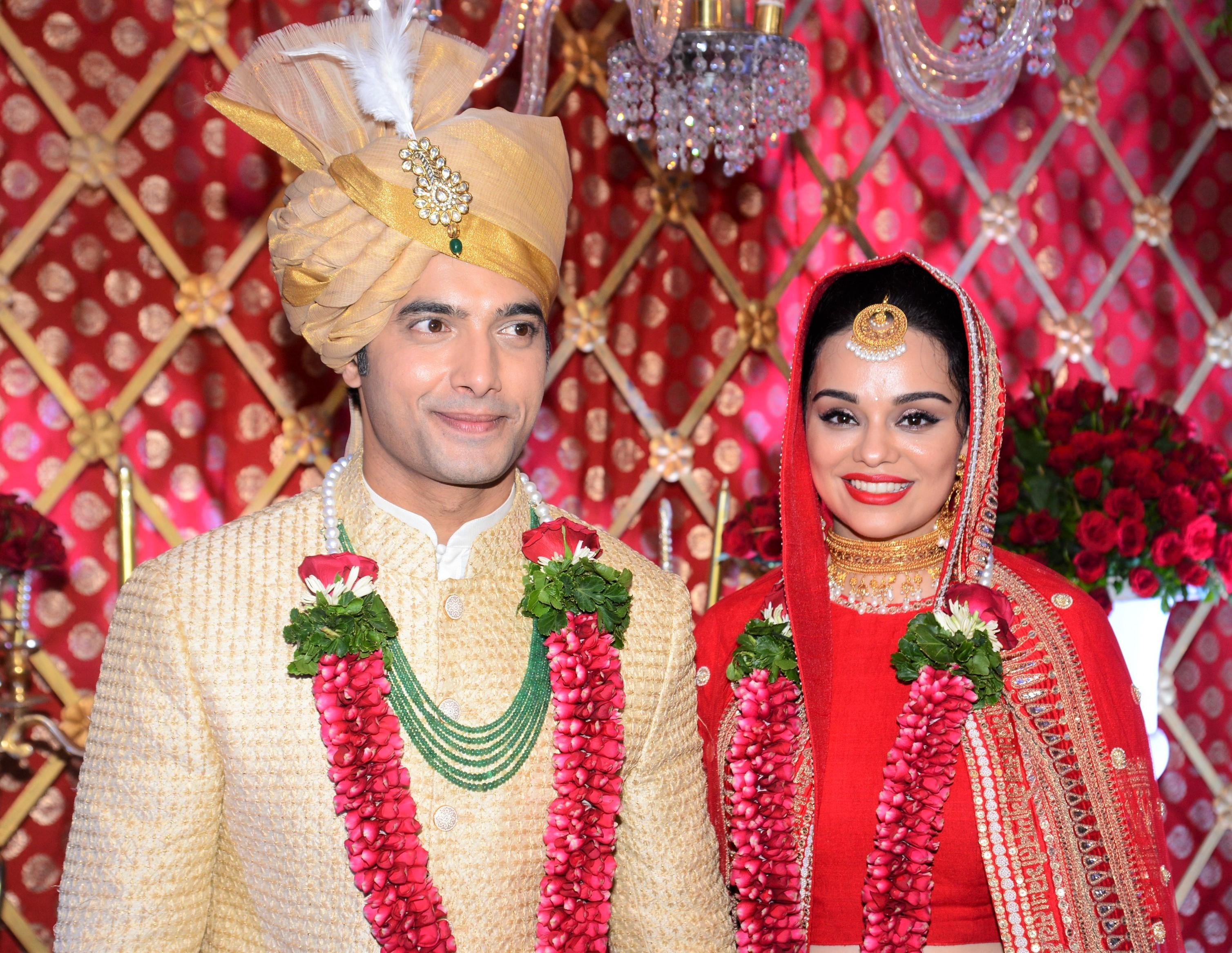 Sharad Malhotra Ties The Knot With Designer Ripci Bhatia!