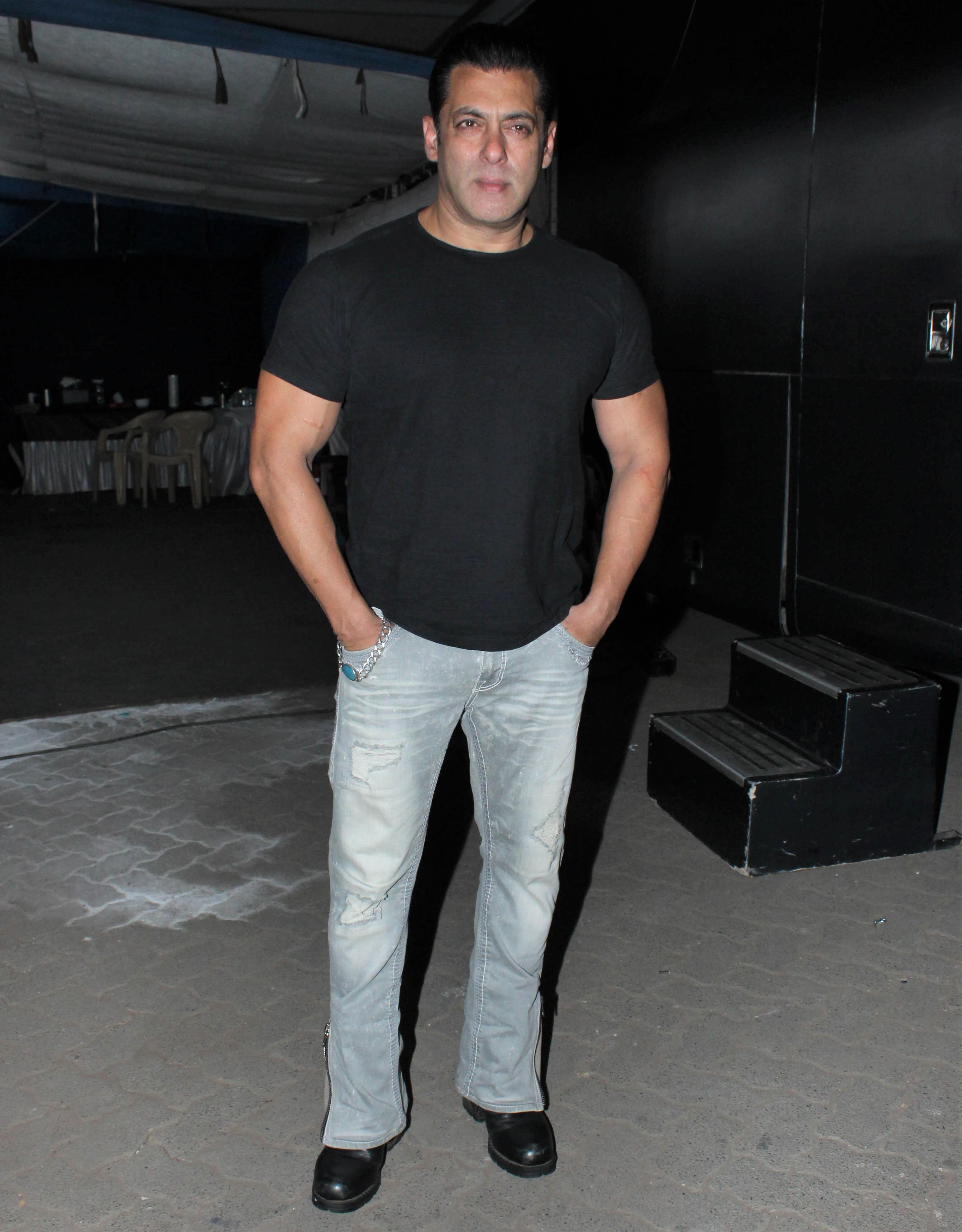 How Salman Khan and His Family Celebrate Eid