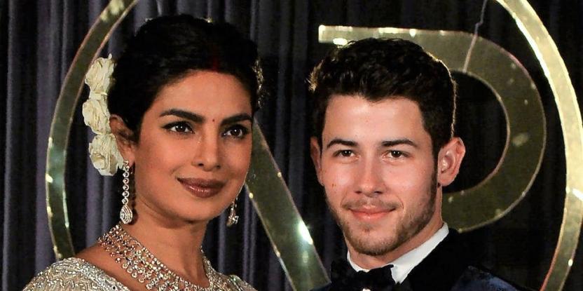 Priyanka Chopra Blurs Her Friends Out Of the Karvachauth Selfie