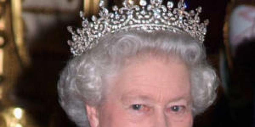 Queen Elizabeth Loves Binge Watching While on Vacation, According to Reports!