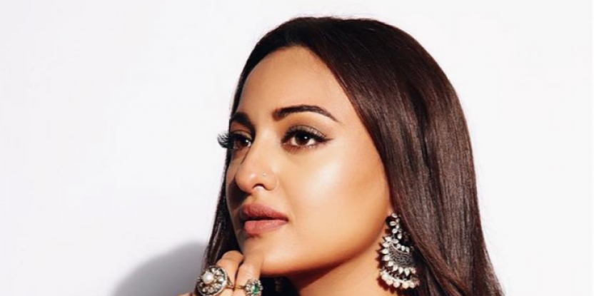 Sonakshi Sinha Uses Her Fashion Know-How To Reveal the Most Stylish Couple in Bollywood! Guess Who it is?