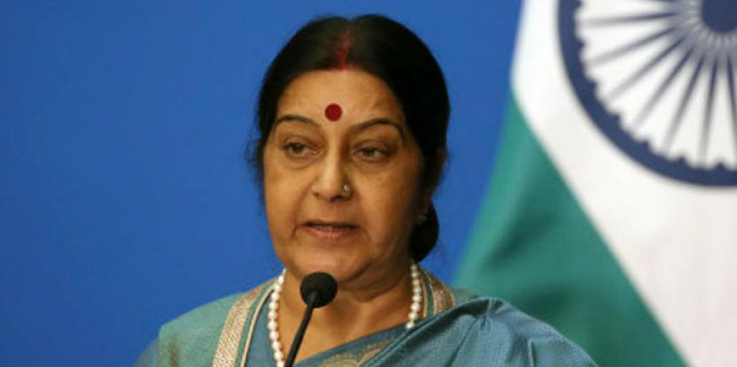 Sushma Swaraj, Indian ex-Foreign Minister Passes Away: Bollywood Celebs Share Condolences