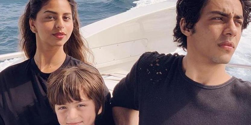 Here's How Shah Rukh Khan's Children Deal With Paparazzi
