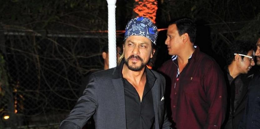Shah Rukh Khan Injured Himself and the Reason is Really Funny!