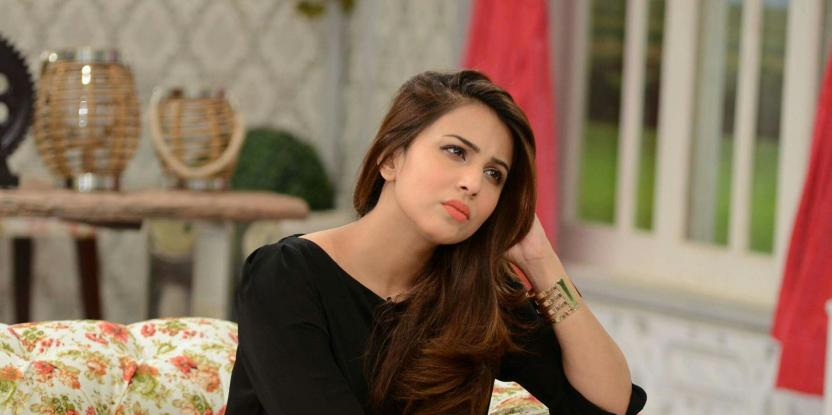 Ushna Shah Releases a Video Explaining Her Point After the Delivery Boy Controversy