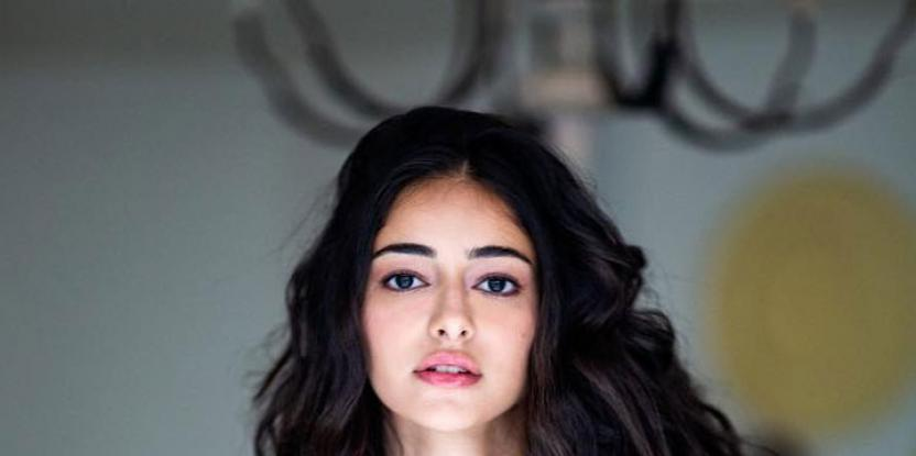 Ananya Panday Keeps Her Airport Look Comfortable and Effortlessly Stylish