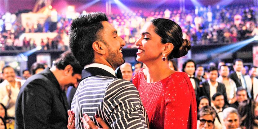 "Deepika Padukone Gives Ranveer Singh ""Rare Compliment"" on His Live Video, Ranveer's Reaction is Epic!"