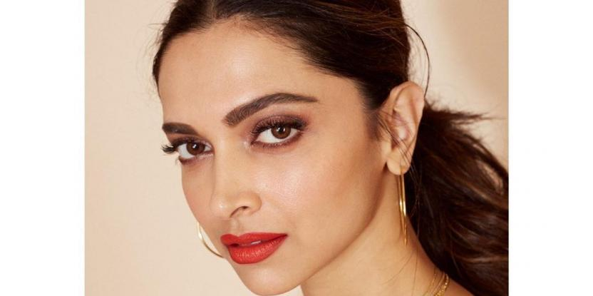 Deepika Padukone Sports the Ethnic Look at the Airport