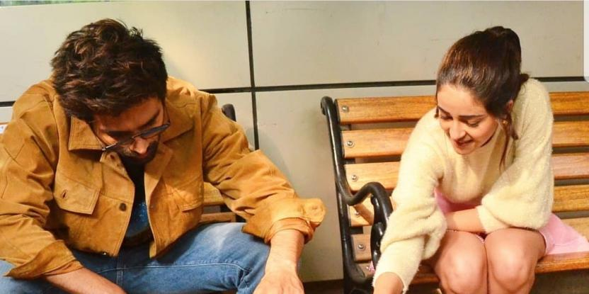 Kartik Aaryan, Ananya Panday Unwind by Playing with a Cute Puppy