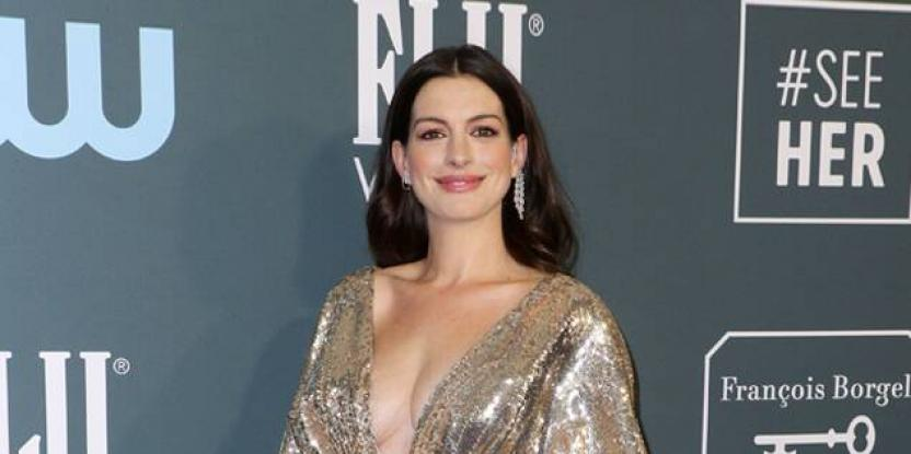 Anne Hathaway Glistens in Gold at the Critics Choice Awards 2020