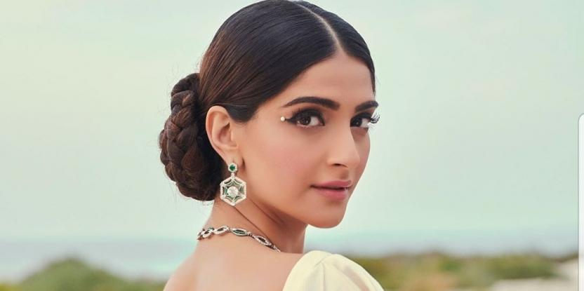 Sonam Kapoor Exudes the Old World Charm in a Classic Pearl Sari