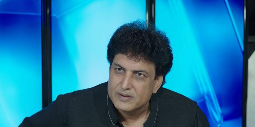 Khalil ur Rehman Qamar Lashed Out on TV: Mahira Khan, Nabeel Qureshi Have Called Him Out