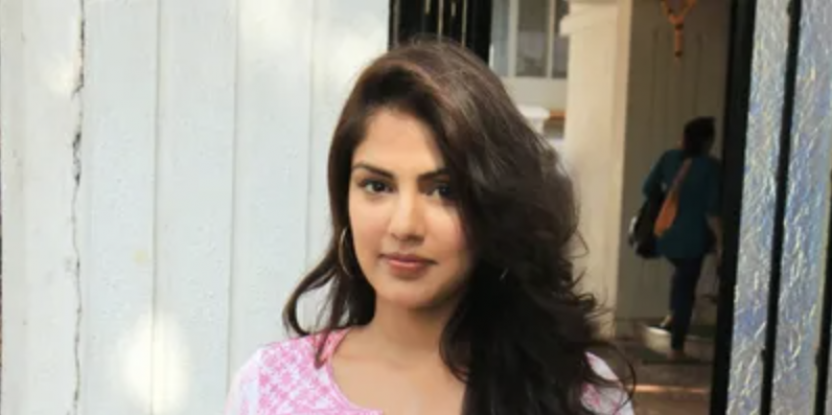 Rhea Chakraborty destroyed 8 hard drives before leaving Sushant's house days before his death