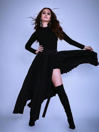 Shraddha Kapoor's Best Black and White Looks